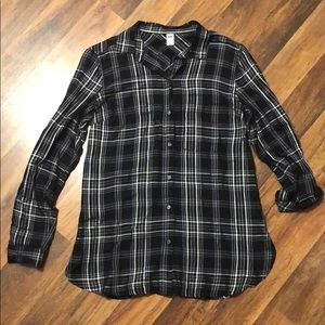 Women's Old Navy Black Plaid Button Down Top